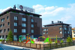 Аюрведа клиник Лъки Банско с детска площадка