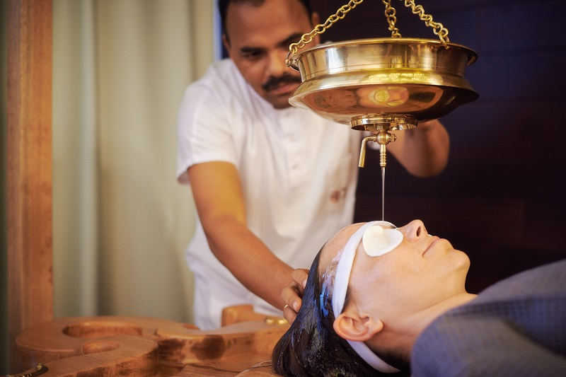 Shirodara procedure therapy | Ayurveda Bansko