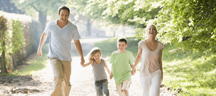A happy and healthy family | Ayurvedabansko