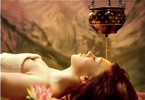 Какво е такра дара аюрведа масаж?