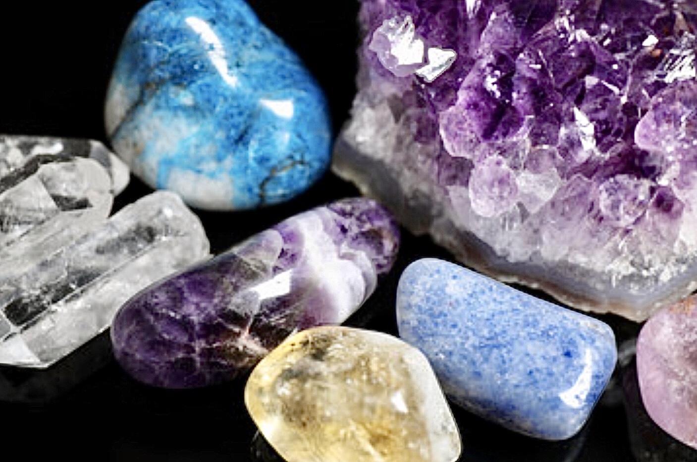Traitement ayurvédique aux pierres précieuses