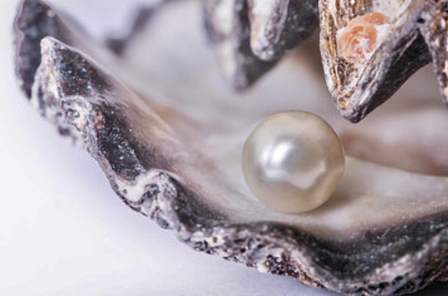 Ayurveda-Behandlung mit Edelsteinen