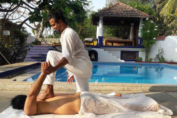 Was ist Ayurveda Yoga Massage?