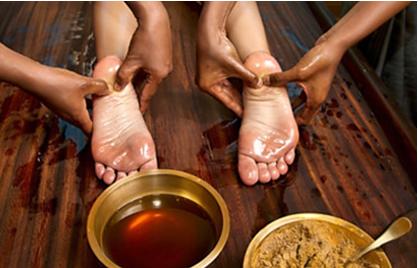 L'Ayurveda est un système indien mystique et exotique pour la santé, le bonheur et la longévité. Il gagne en popularité dans le monde occidental.