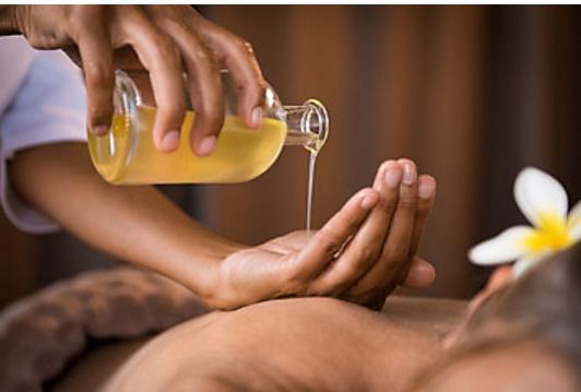 Types d'huiles essentielles en Ayurveda