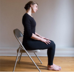 Premiers pas dans la pratique personnelle du yoga Iyengar à la maison